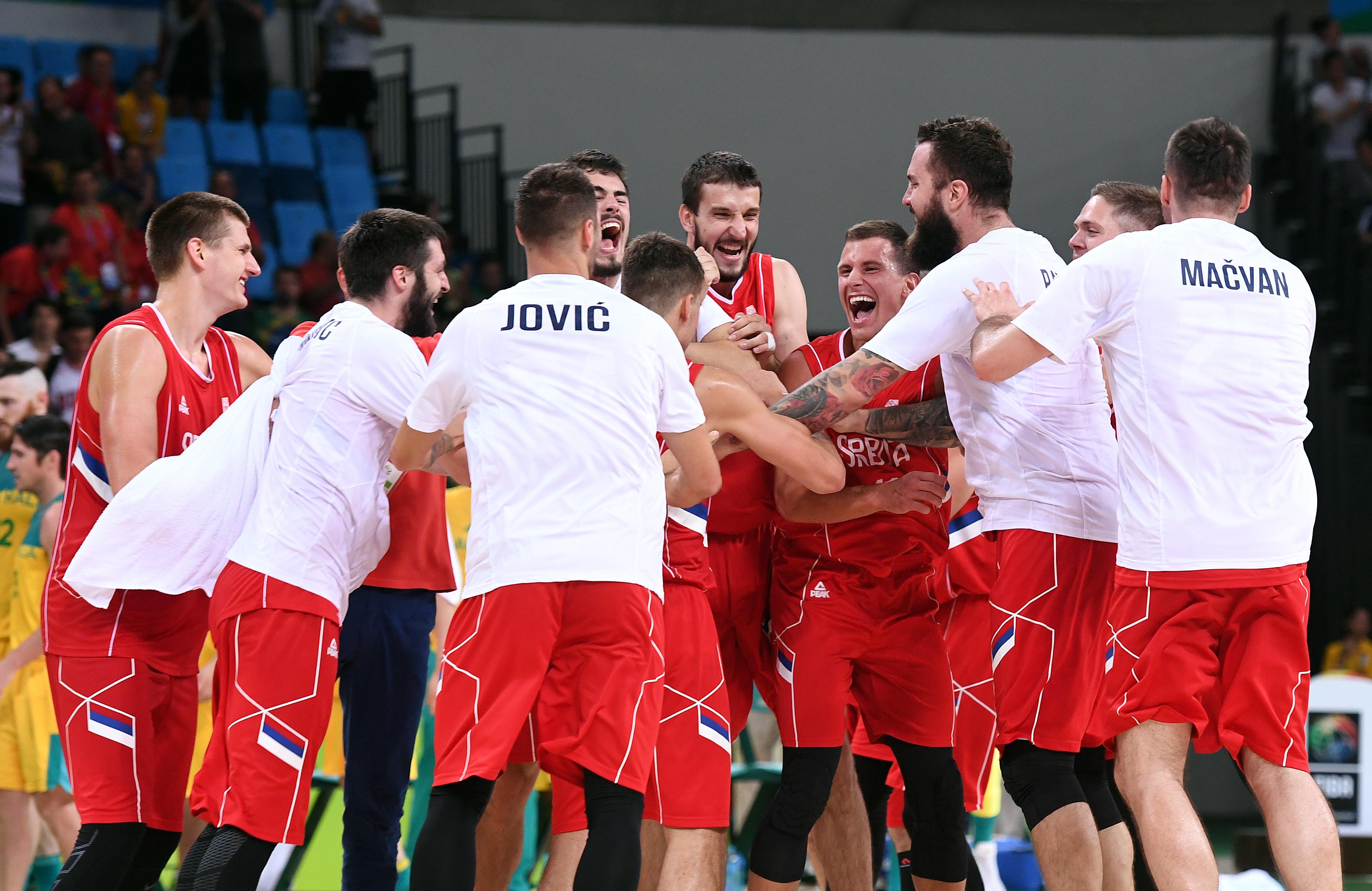 Košarkaši Srbije slave pobedu na Australijom, Olimpijada, Rio 2016